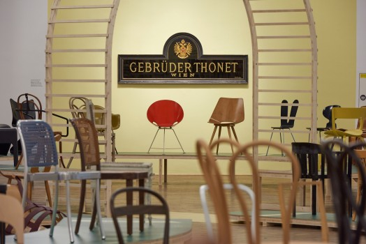 BENTWOOD AND BEYOND. Thonet and Modern Furniture Design