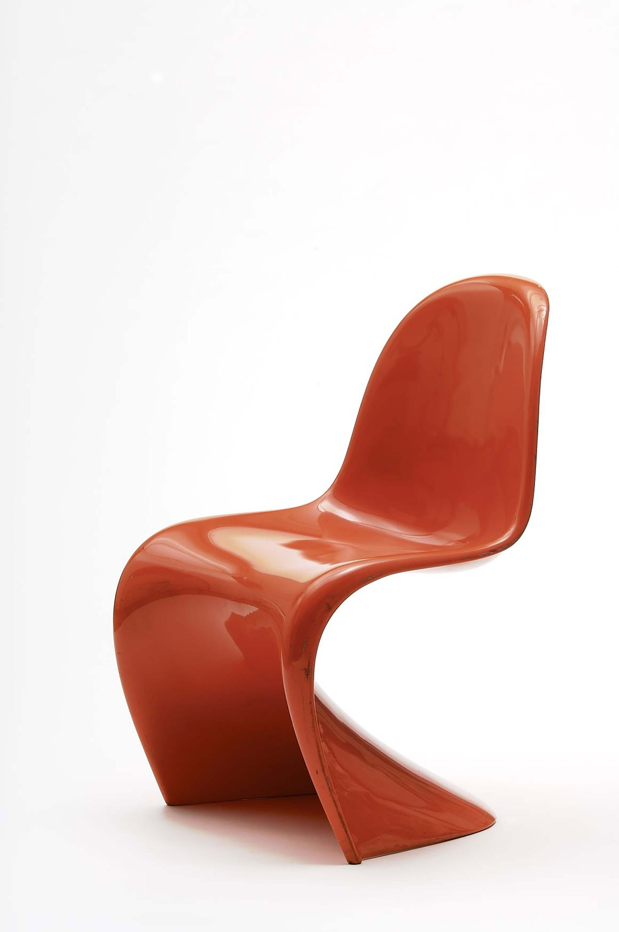 <BODY>Verner Panton, <em>Panton Chair, </em>Copenhagen, 1967<br />Polyurethane, painted orange<br />© MAK/Georg Mayer</BODY>