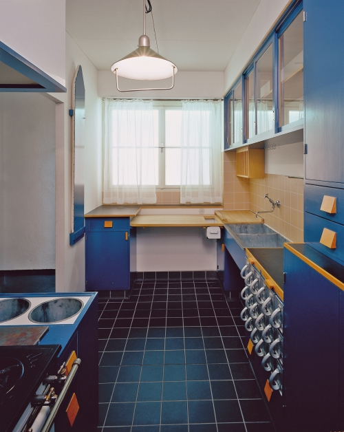 the frankfurt kitchen mak museum vienna. Black Bedroom Furniture Sets. Home Design Ideas