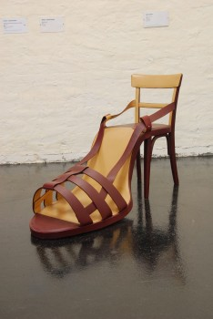 Birgit Jürgenssen, SHOE CHAIR