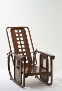 "Josef Hoffmann, Chaise longue, Model No. 670 ""Sitting Machine,"" Vienna, ca. 1905© MAK/Georg Mayer"