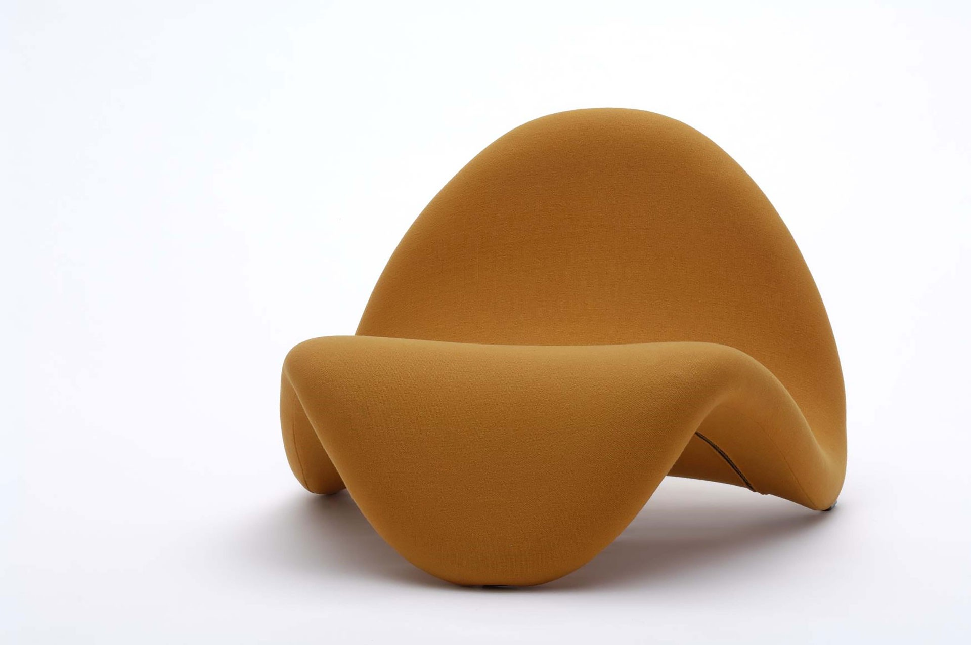 <BODY>Pierre Paulin, Seating furniture <em>Tongue</em>, France, 1967<br />Metal; foam padding with orange jersey cover<br />© MAK/Georg Mayer</BODY>
