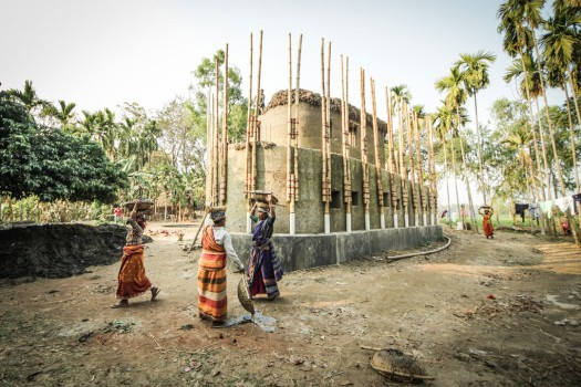 Anna Heringer, Anandaloy, Rudrapur, Bangladesh, 2020The building, which is built of clay and bamboo, houses a centre for people with special needs in combination with a studio for the production of fair trade fabrics (Dipdii Textiles).© Photograph: Stefano Mori