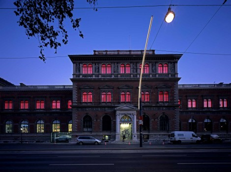 MAK – Museum of Applied Arts, Permanent light installation on the MAK façade: James Turrell, MAKlite © Gerald Zugmann/MAK