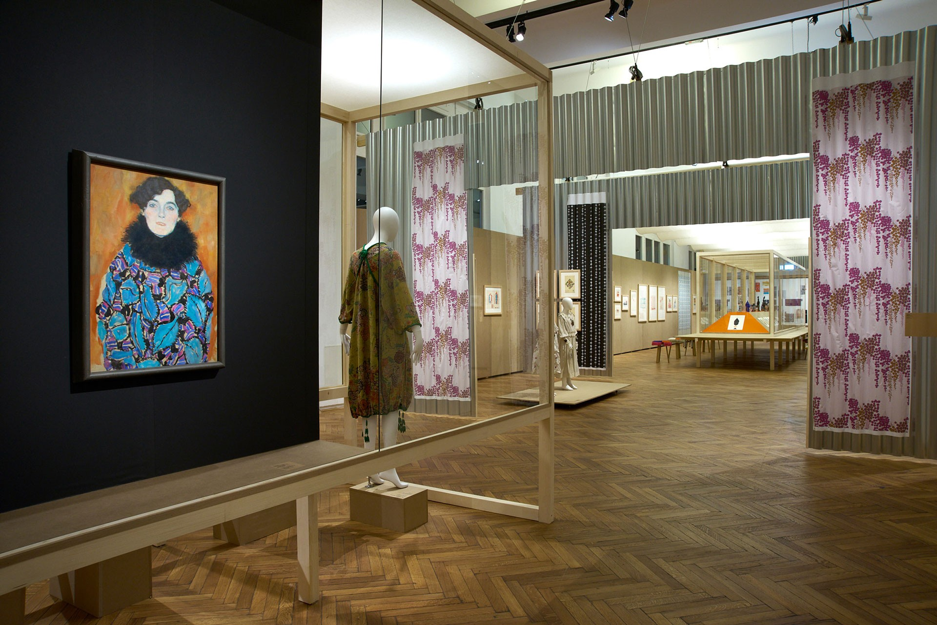 <BODY><div>MAK Exhibition View, 2021</div><div>WOMEN ARTISTS OF THE WIENER WERKSTÄTTE</div><div>in the front: Gustav Klimt, Portrait of Johanna Staude (dressed in an item of clothing made from the WW fabric [Leaves] by Martha Alber), 1917/18</div><div>MAK Exhibition Hall</div><div>© MAK/Georg Mayer</div><div> </div></BODY>