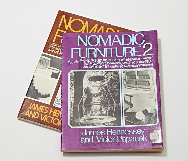 "Cover der Publikationen ""Nomadic Furniture 1"" und ""Nomadic Furniture 2"