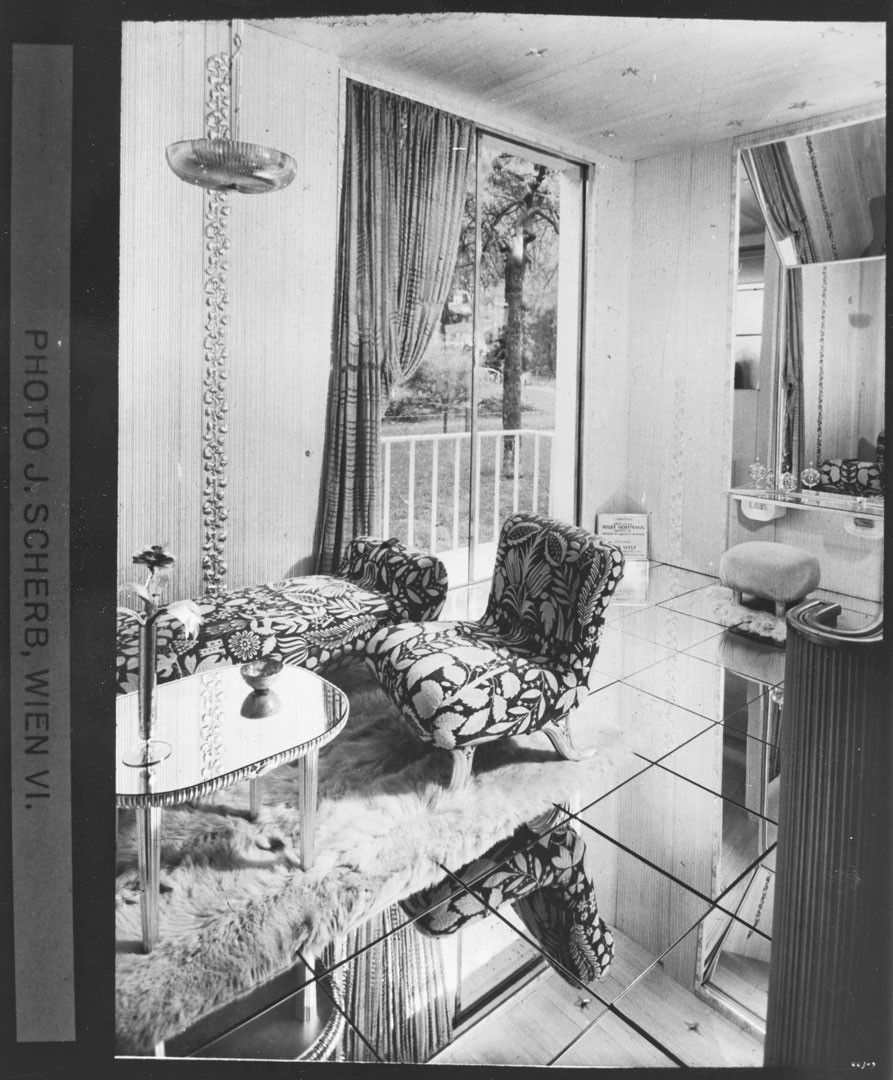 <BODY>Josef Hoffmann, Reconstruction of the <em>Boudoir d'une grande vedette</em> [Boudoir for a Big Star], Paris World's Fair, 1937<br />© MAK<br /><br /></BODY>