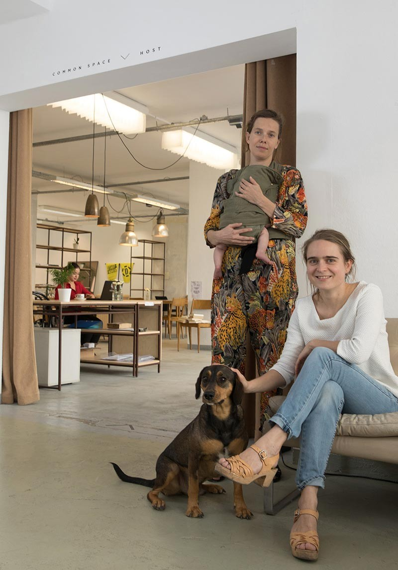 <BODY><em>StadtFabrik</em>: Demonstratoren in der Stadt. Paradocks – Das Packhaus, <em>Space Enabler</em>, (Margot Beerenberg und Veronika Kovacsova)</BODY>