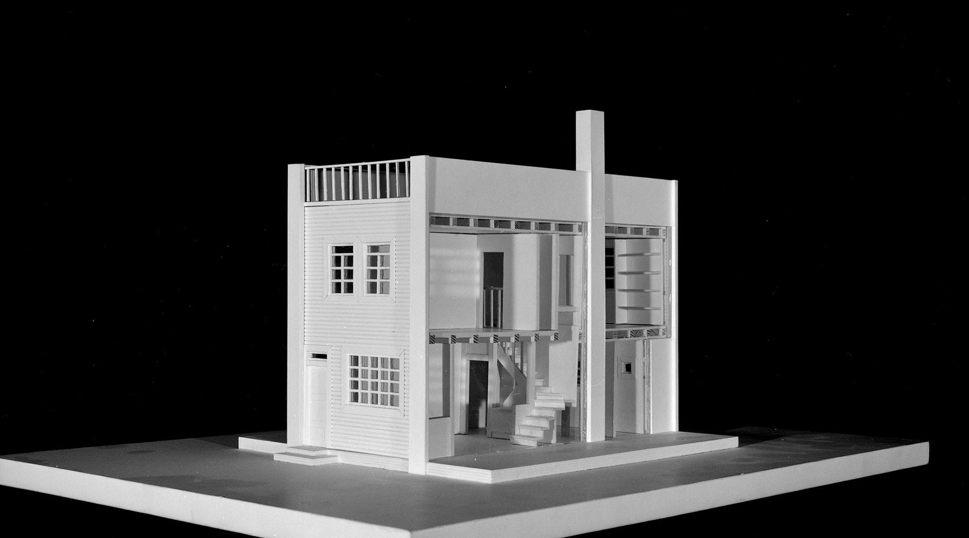"<BODY><div>Adolf Loos, ""House with a Wall,"" Vienna (project for the settlement on the Heuberg in Vienna's 17th district, Röntgengasse 138), 1921</div><div>Model: Prof. Hans Puchhammer, TU Wien</div><div>© ALBERTINA, Vienna</div><div> </div></BODY>"