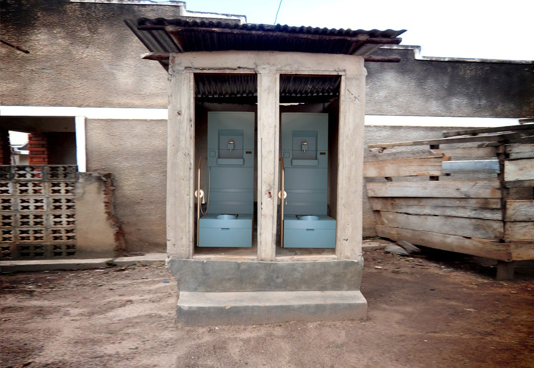 <BODY>EOOS/Eawag<em>, Blue Diversion Toilet</em>, Field Test, Nairobi, 2014<br />© EOOS/Eawag</BODY>