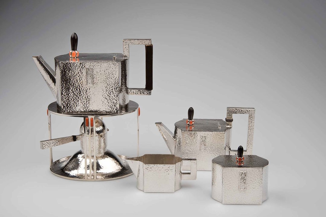 <BODY><div>Josef Hoffmann, Tea set for the Wiener Werkstätte, metal, 1903</div><div>© MAK/Katrin Wißkirchen</div><div> </div></BODY>