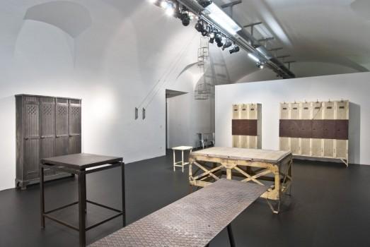 mak industriem bel. Black Bedroom Furniture Sets. Home Design Ideas